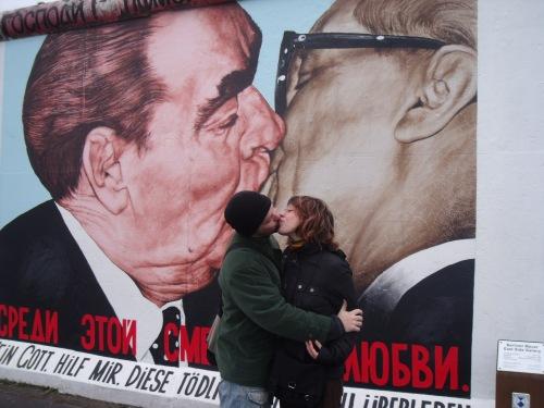 El beso en el muro, revisitado