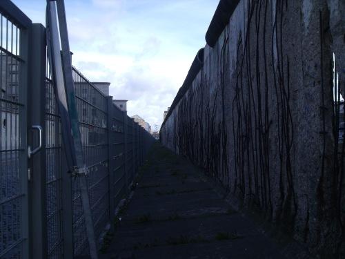 El muro de Berlín, junto al antiguo cuartel de las SS